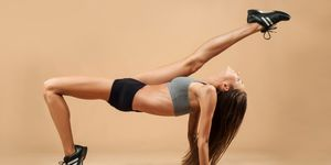 Vrouw doet dans workout