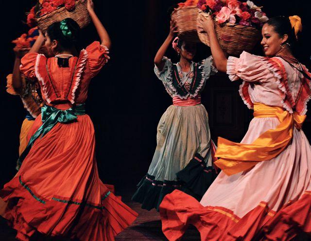 quali sono le danze più famose del mondo per viaggiare con la fantasia