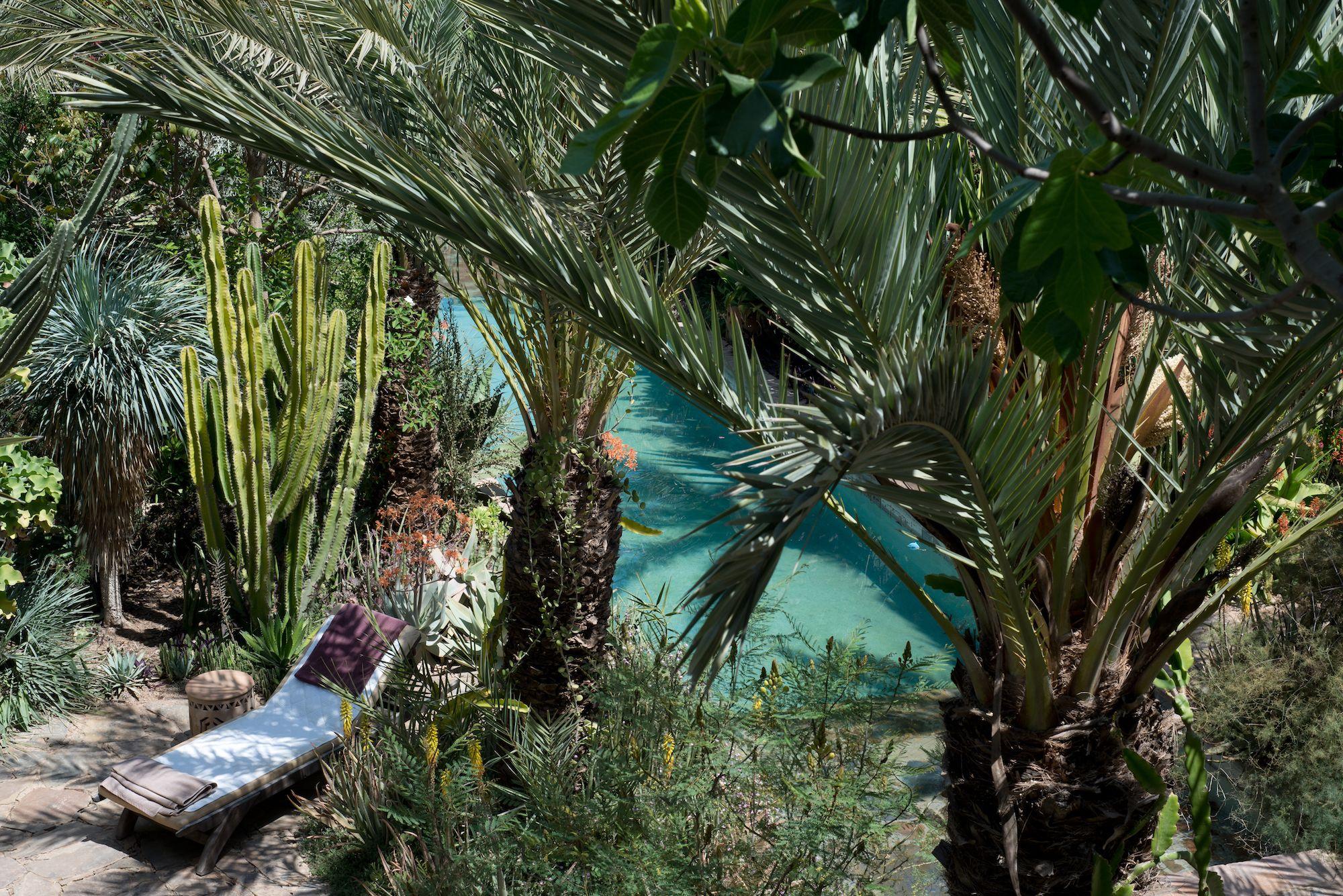 9 Most Beautiful Garden Ideas From Hotels Garden Design