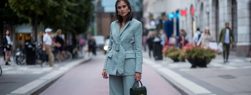 getty-images-suit-blauw