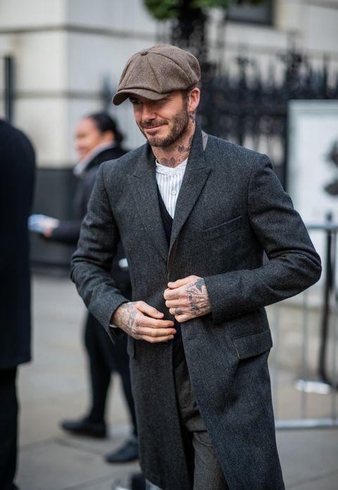 Suit, Street fashion, White-collar worker, Fashion, Human, Standing, Outerwear, Blazer, Formal wear, Businessperson,