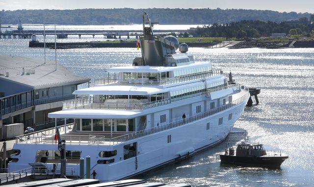 david geffen's yacht rising sun came into portland on tuesday morning, september 24, 2013