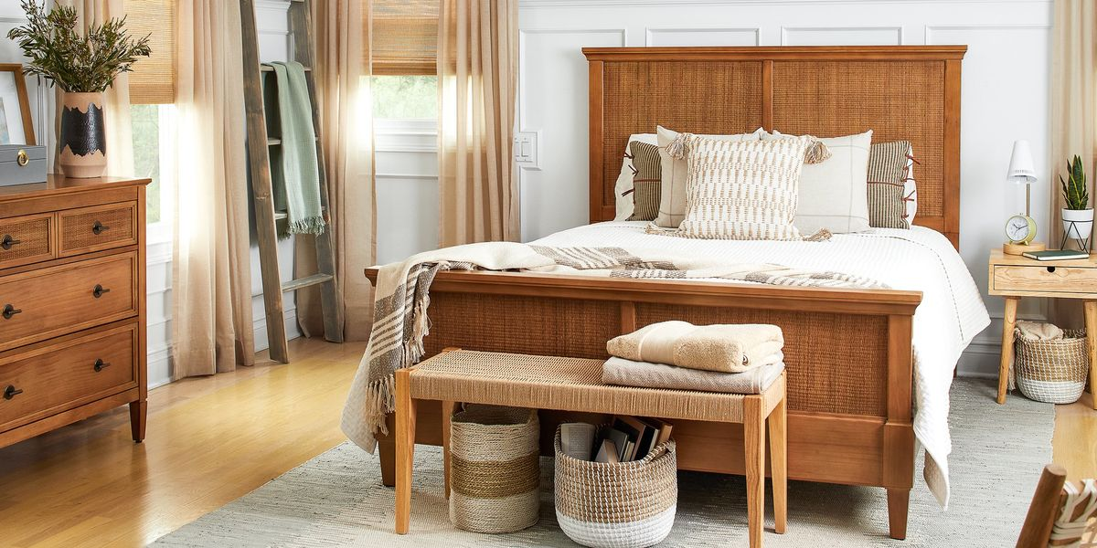 How to Turn Your Bedroom Into a Warm & Cozy Boho Retreat
