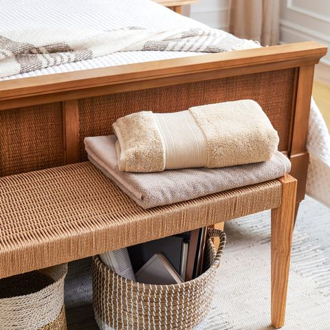 neutral bench bed