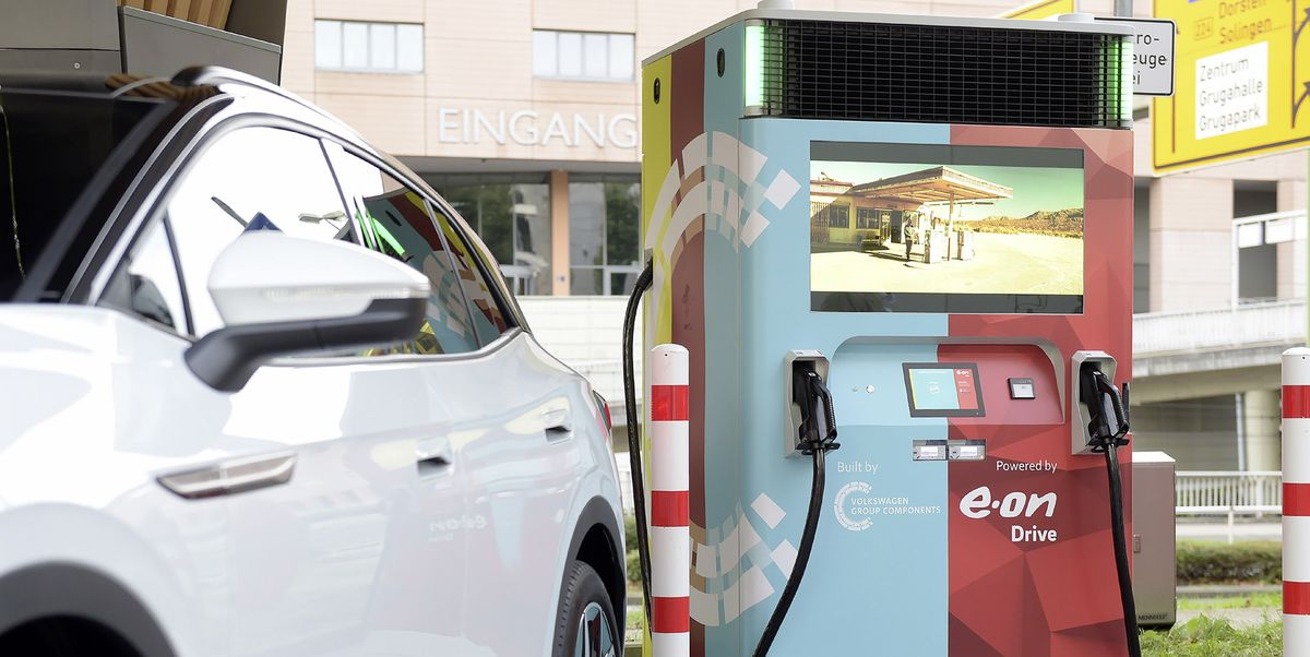 This EV Charger Doesn't Need a Grid Connection or Digging to Install