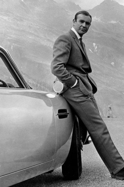 映画『ゴールドフィンガー』に登場したかっこいい車:アストンマーティン「db5」,バニシングポイント 車,バッドボーイズ 車,映画 かっこいい車,あの映画に出てきたかっこいい車はどれ?映画に登場する名車15選