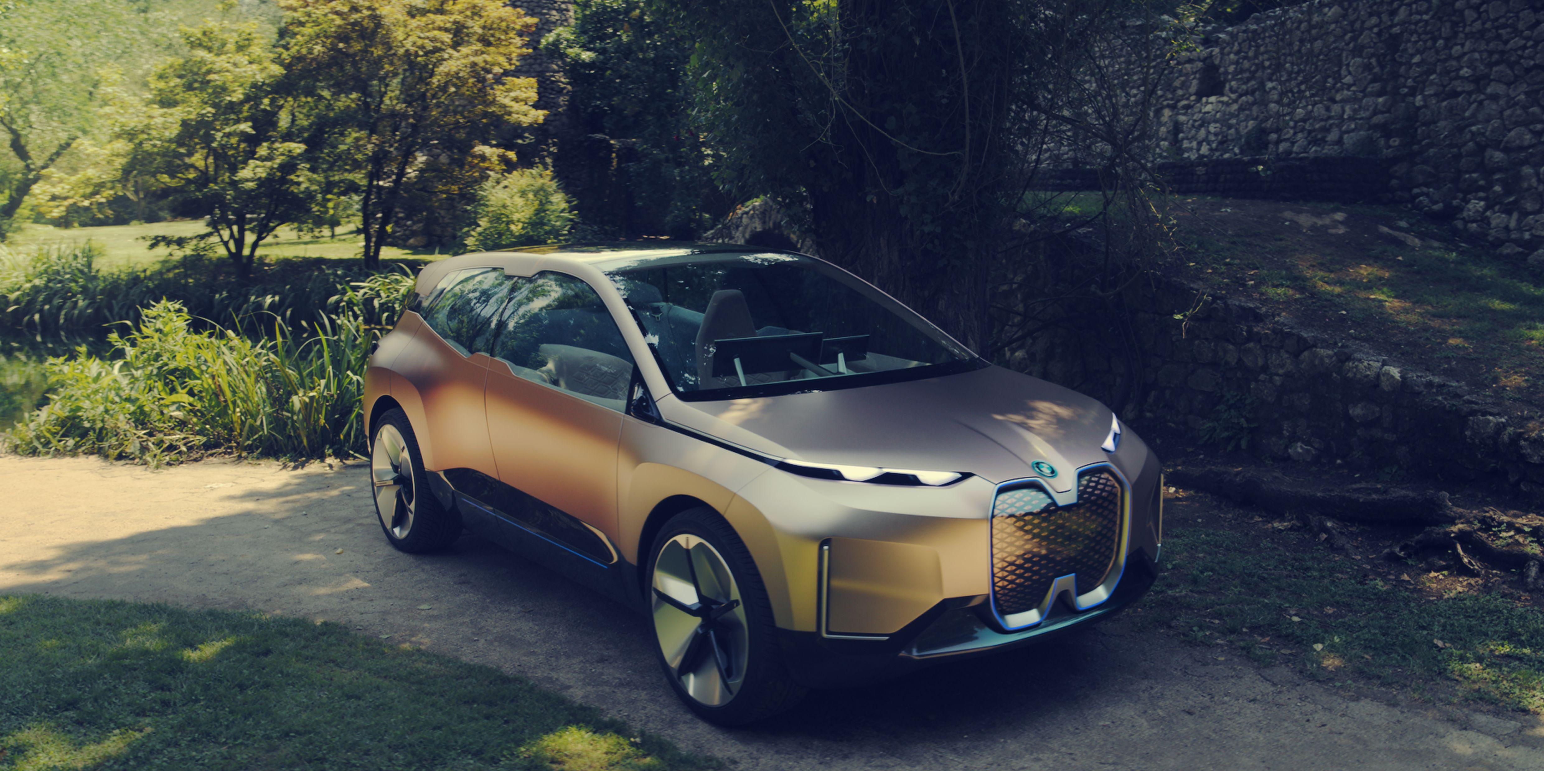 BMW Vision iNext: l'auto che porta il living sulle 4 ruote