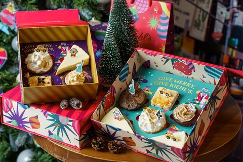 Food, Snack, Sweetness, Cookie, Present, Bake sale, Dessert, Lebkuchen, Hamper, Cuisine,