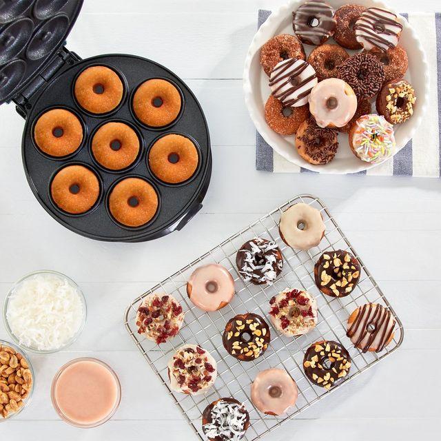 Dash Is Selling A Mini Donut Maker Like Its Viral Waffle Machine