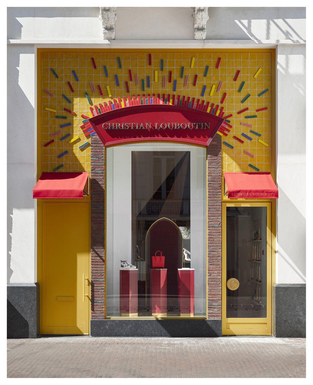Neem een kijkje in de eerste Christian Louboutin store in