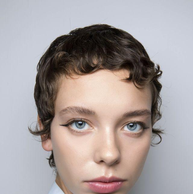 Face, Hair, Eyebrow, Forehead, White, Hairstyle, Chin, Lip, Cheek, Head,