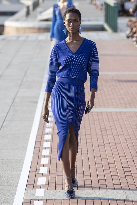 Cobalt blue, Blue, Electric blue, Clothing, Street fashion, Fashion, Fashion model, Dress, Beauty, Footwear,