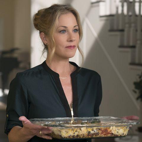 christina applegate dead to me season 1 recap