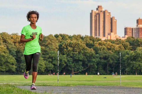 Buzunesh Deba on training run