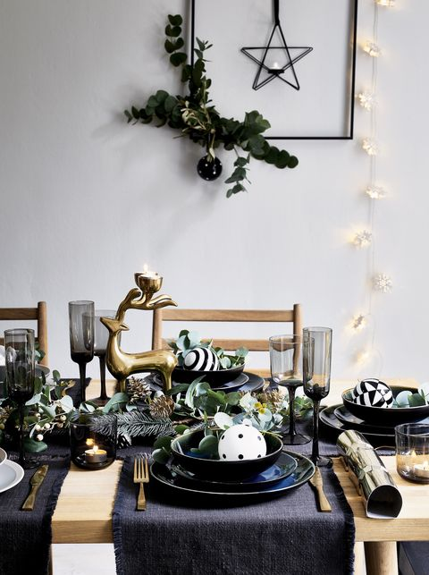 Debenhams Christmas table
