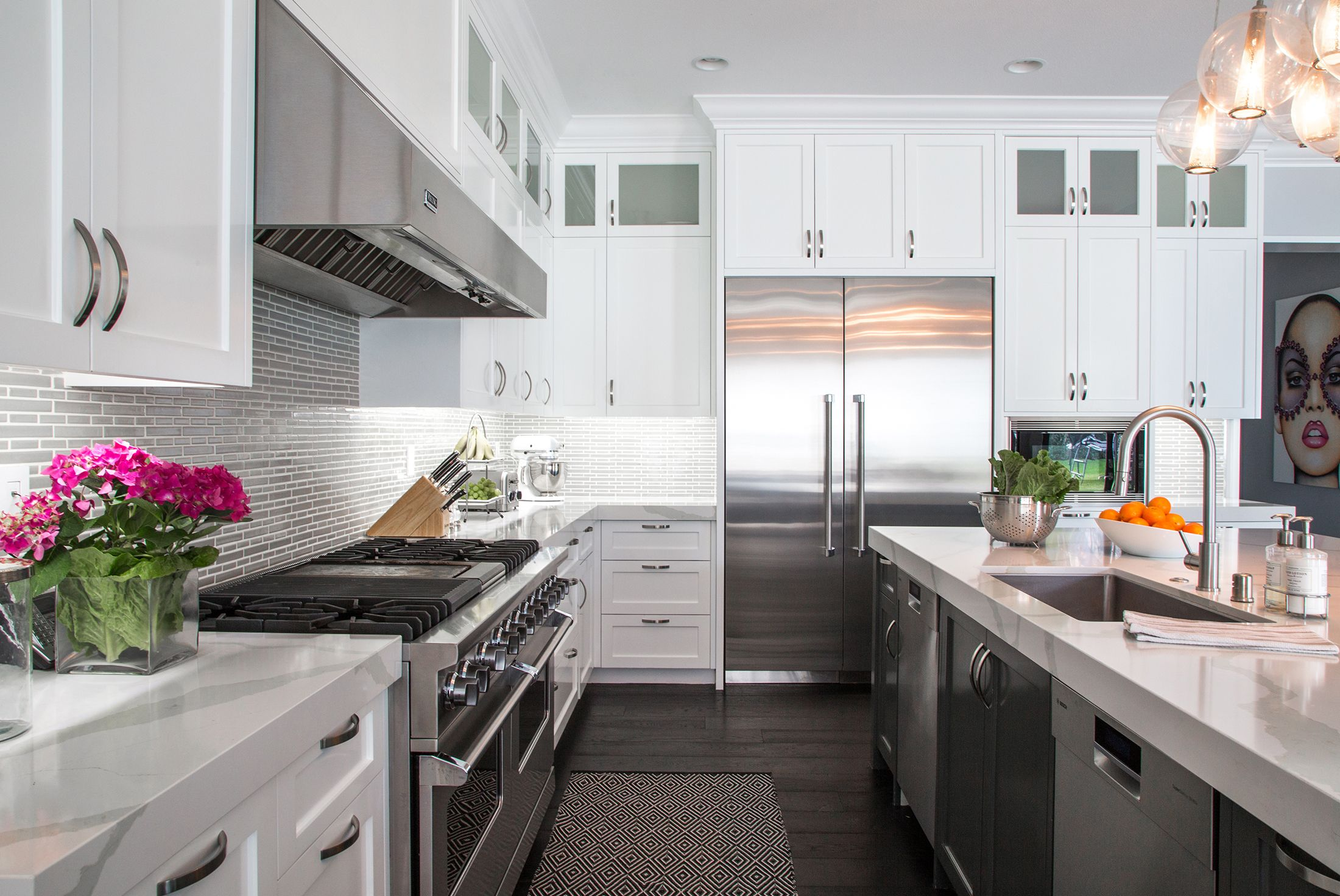 50 White Kitchen Cabinets To Brighten Up Your Cooking Space ...
