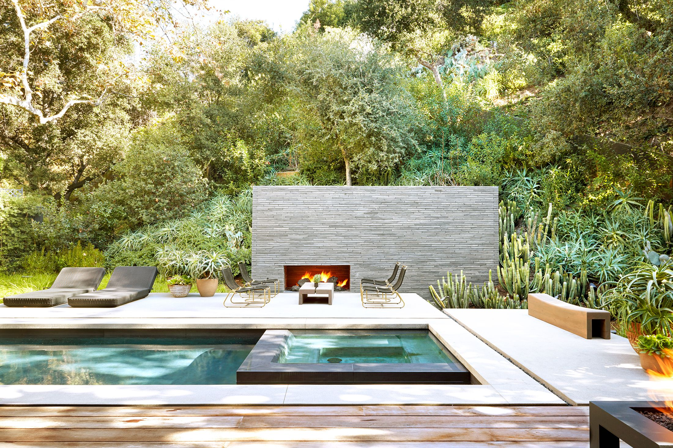 How to Choose the Best Deck Material for Your House