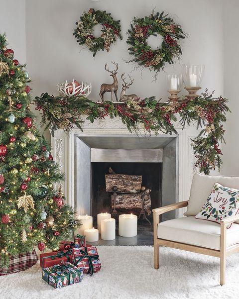 decoración navidad árbol de navidad junto a la chimenea