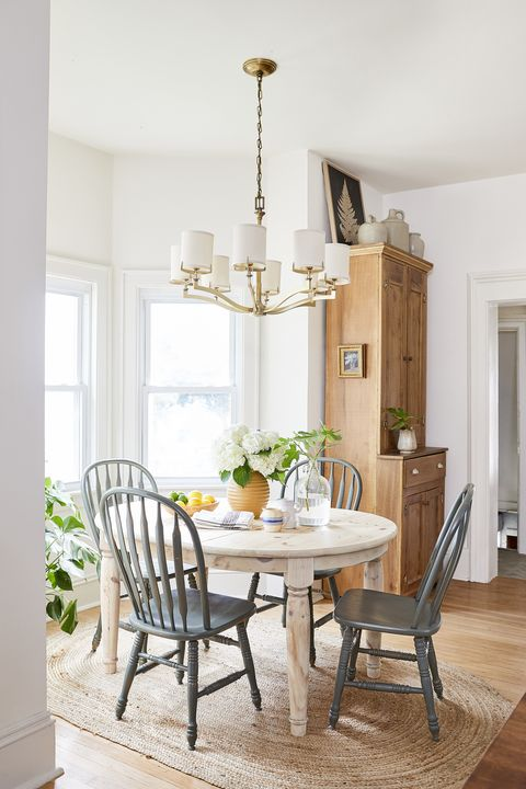 decorating on a budget kitchen chairs