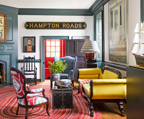 Tips On Decorating With Antiques How To Style Vintage Pieces