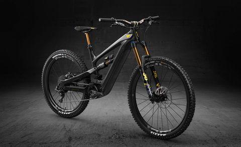 Land vehicle, Bicycle, Bicycle wheel, Vehicle, Bicycle part, Bicycle frame, Bicycle tire, Bicycle fork, Mountain bike, Spoke,