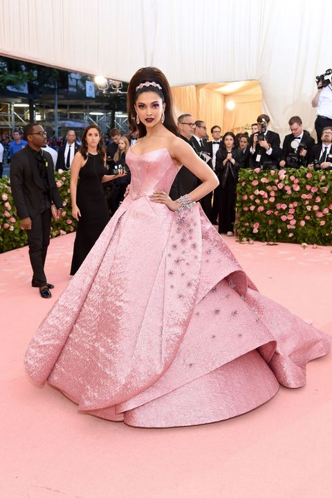 Deepika Padukone Wears 3d Printed Zac Posen Dress To The Met Gala