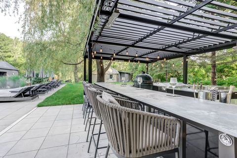 covered outdoor dining table