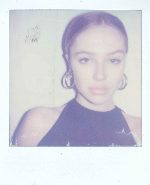 Face, Hair, Photograph, Head, Eyebrow, Chin, Forehead, Hairstyle, Snapshot, Portrait,