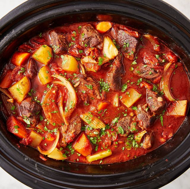 10 Easy Crock Pot Beef Stew Recipes How To Make Best Beef Stew In A Slow Cooker