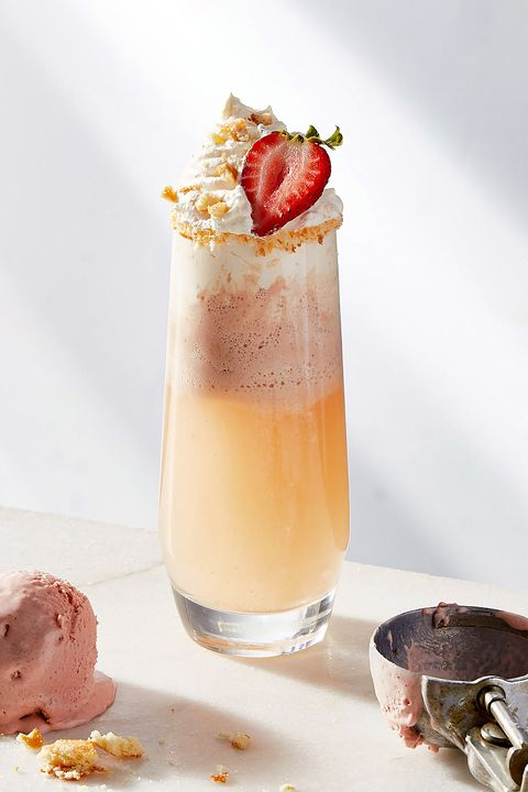 strawberry shortcake mimosas