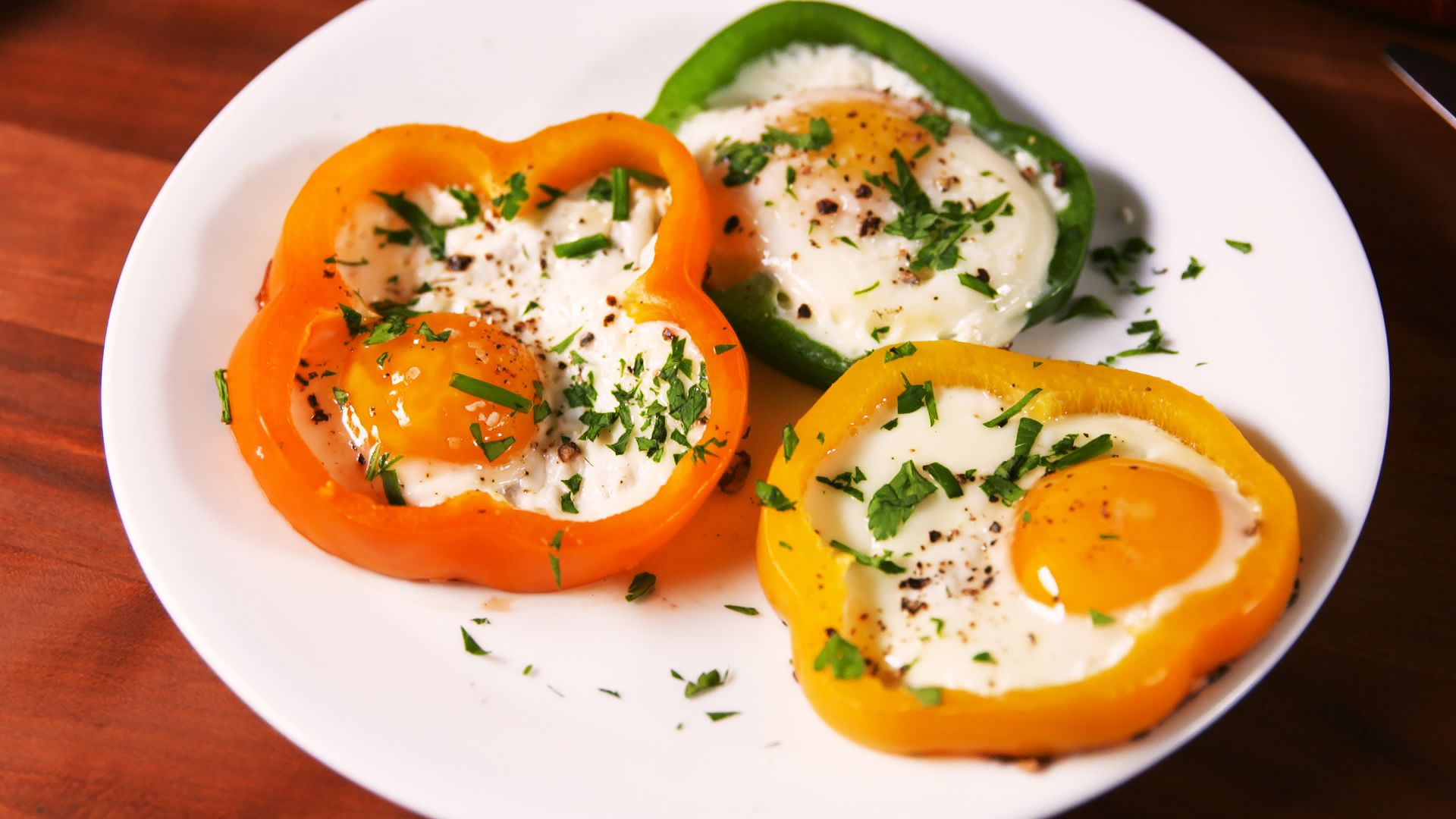 Delish bell pepper eggs still001 1521119216