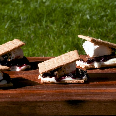 Blueberry Cheesecake S'mores - Delish.com