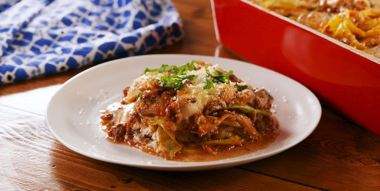https://hips.hearstapps.com/hmg-prod.s3.amazonaws.com/images/delish-cabbage-lasagna-still003-1532605858.jpg?crop=0.755xw:0.674xh;0.0680xw,0.260xh&resize=768:*
