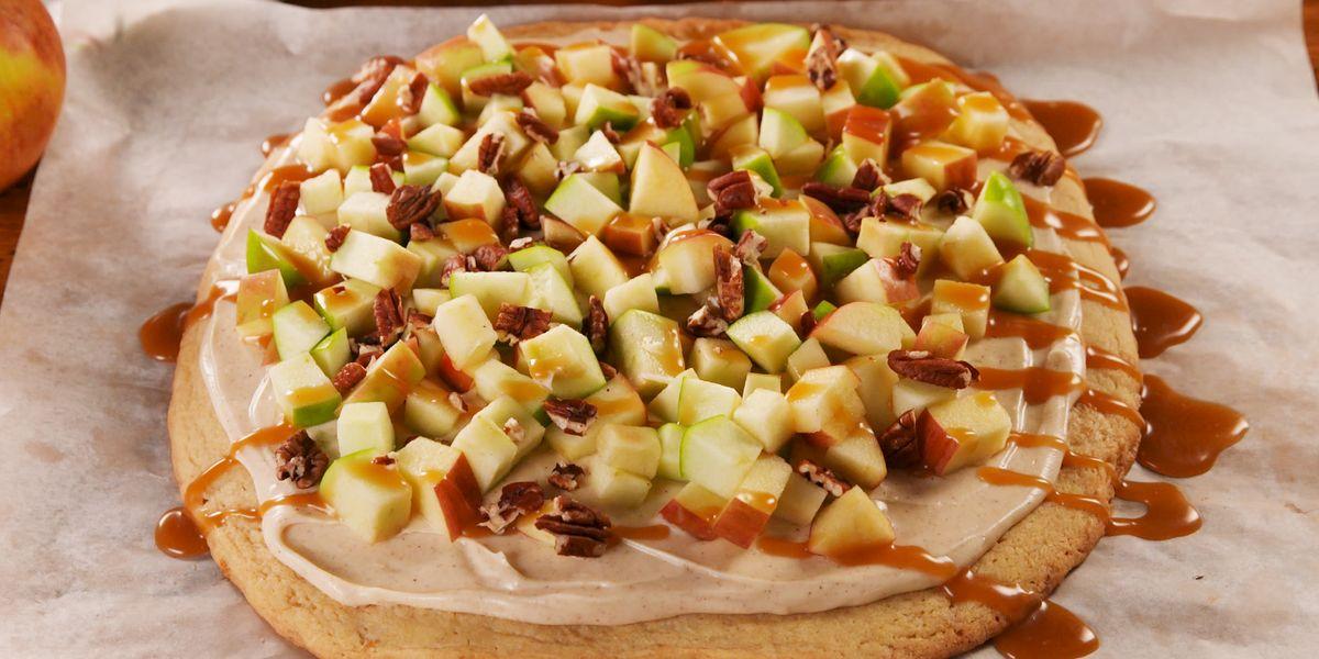 Best Caramel Apple Pizza Recipe How To Make Caramel Apple Pizza