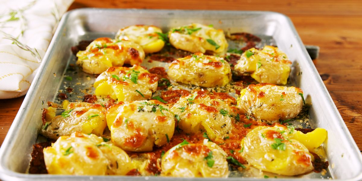 Best Cheesy Garlic Butter Potatoes Recipe — How To Make ...