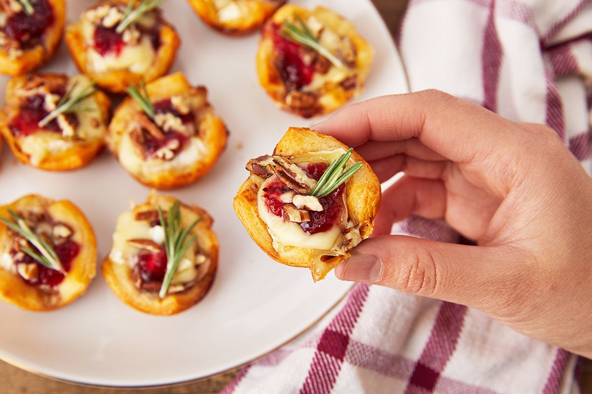 20+ Easy Potluck Ideas for Work Holiday Parties , Quick