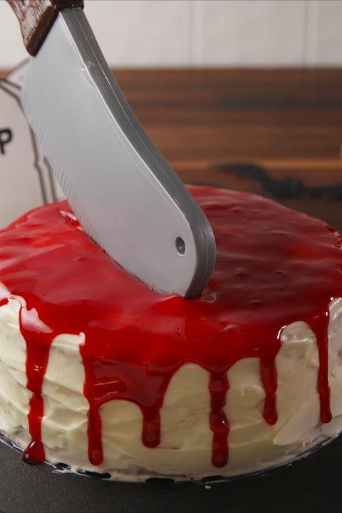 Cake, Icing, Royal icing, Cream, Dessert, Red, Food, Buttercream, Cake decorating, Pasteles,