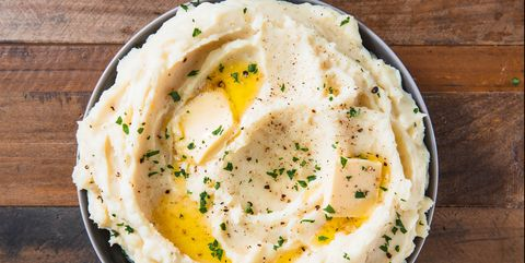 these mashed potatoes are so creamy for your thanksgiving spread