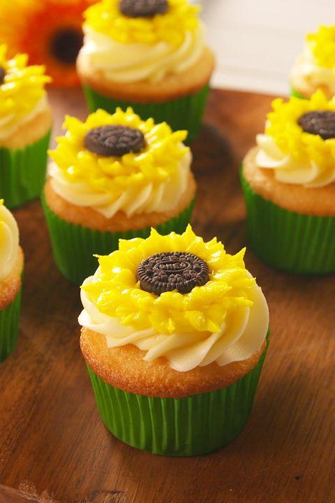 Oreo Sunflower Cupcakes - Delish.com