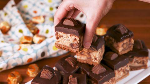 Food, Chocolate, Fudge, Cuisine, Dish, Confectionery, Chocolate bar, Dessert, Ingredient, Dominostein,