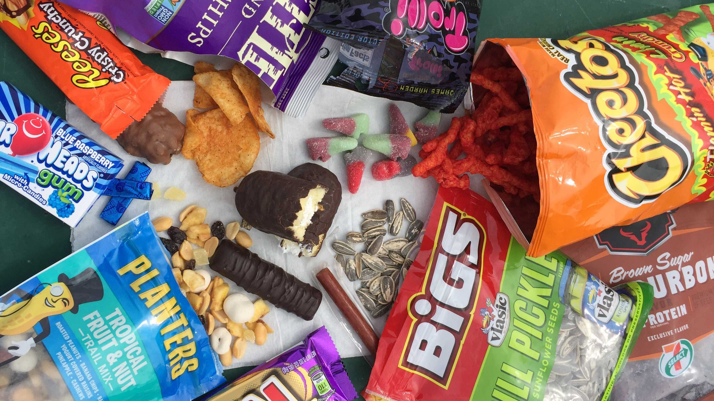 3d6dbdb6b7ac The Best Road Trip Snacks - What To Pack For A Road Trip