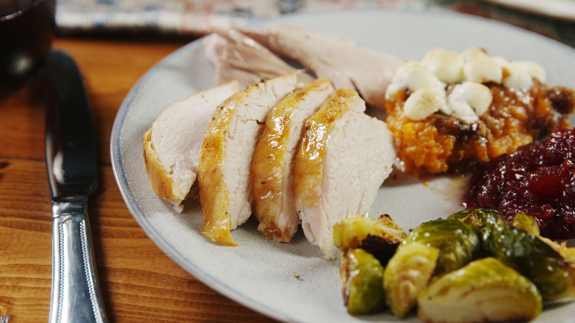 30 traditional thanksgiving dinner menu ideas and recipes delishcom - Southern Christmas Dinner Menu Ideas