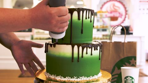Admirable Watch Starbucks Lovers Will Be Hypnotized By This Cake Decorating Funny Birthday Cards Online Fluifree Goldxyz