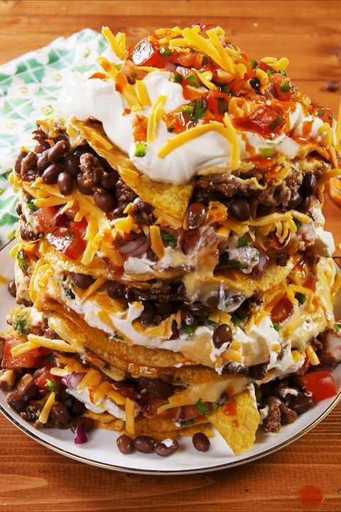 Dish, Food, Cuisine, Nachos, Ingredient, Frito pie, Tostada, Produce, Recipe, Comfort food,