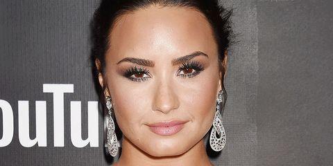 c9fa1be8b Demi Lovato finger tattoo: Singer gets rose as tribute