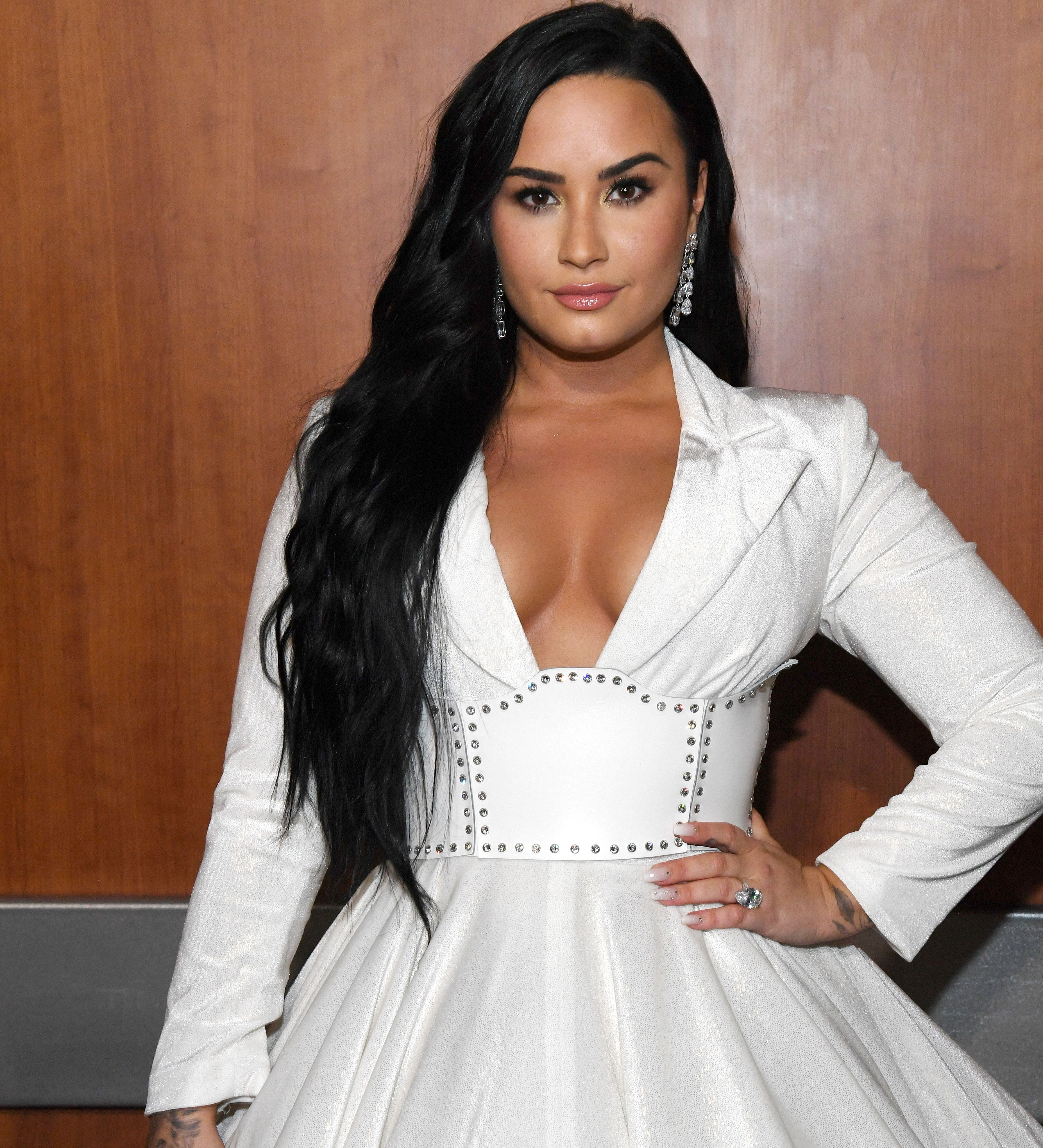 Demi Lovato Posted A Gorgeous Makeup Free Selfie