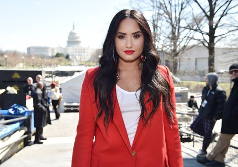 Why demi lovato left her rehab facility demi lovato flies to chicago march for our lives in washington dc m4hsunfo
