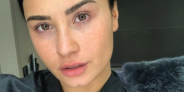 """Demi Lovato Posts Stunning No-Makeup Selfie: """"Proud of My Freckles, Proud of [My] Booty Chin"""""""