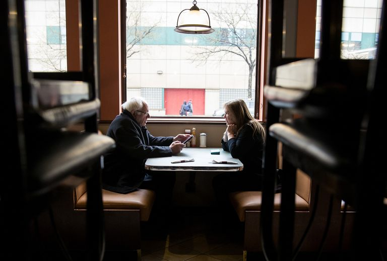 Jane and Bernie visit a diner while campaigning in New York City in 2016.