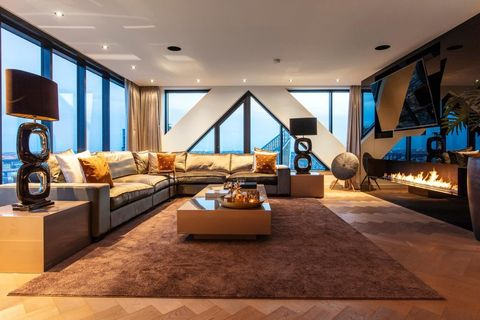 Living room, Interior design, Room, Ceiling, Property, Furniture, Building, Floor, Home, House,